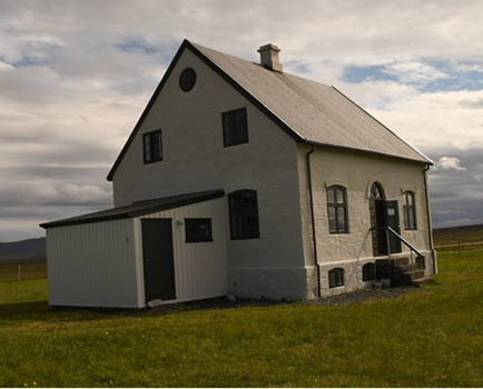The priest's residence at Sauðanes House